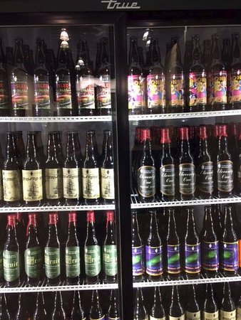 Nelson, Canada: Great selection of craft beer
