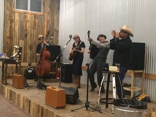 Alpine, TX: Hogan & Moss playing their own brand of old timey scorch-folk