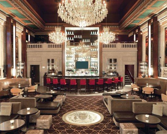 Bond Restaurant and Lounge : BOND restaurant   lounge