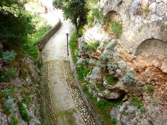 Gardens of Augustus: Paths throughout the gardens