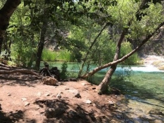 Camp Verde, AZ: 15-17 Minutes into the hike to the Waterfall, you will find the rope swing/water access.