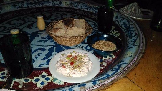 Sofra Restaurant & Cafe: Hummus and Gebna Bil Tamatem