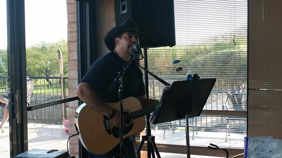 Green Valley, AZ: Live music with Angel Perez