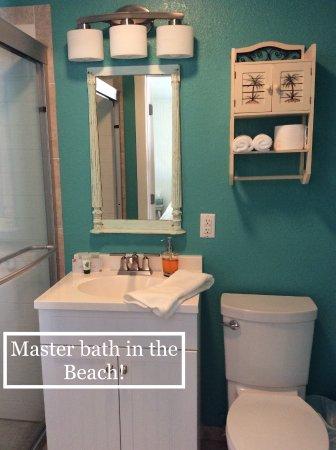 Granbury, TX : The Beach Bathroom