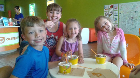 Lake Delton, WI: orange leaf