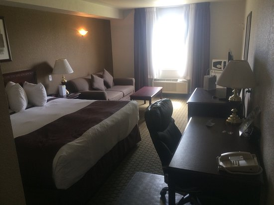 Ramada Red Deer Hotel and Suites: photo0.jpg