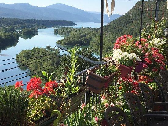 Hotel Villa Romanica : Entorno de naturaleza y belleza