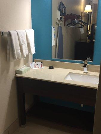Baymont Inn & Suites Nashville Airport/ Briley: photo2.jpg