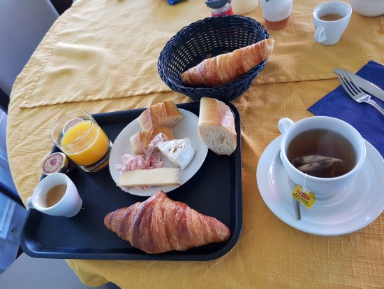 Courseulles-sur-Mer, France: 20170604_094927_large.jpg