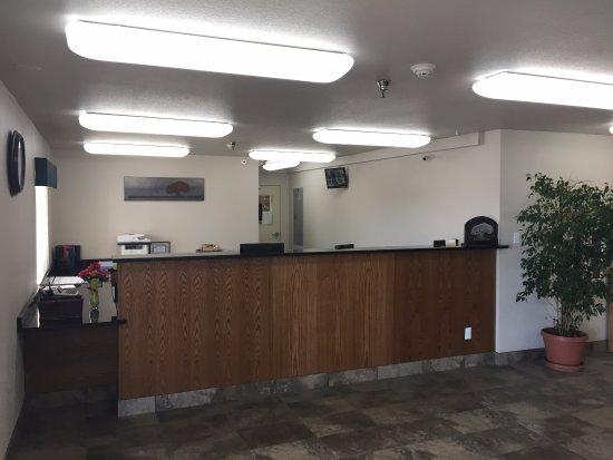 Elko, NV: Front Desk