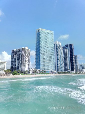Sunny Isles Beach, FL: orca_share_media1497967812822_large.jpg