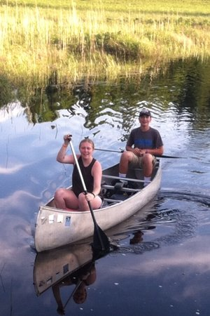 Cross River Lodge: Jessica and Hunter canoeing