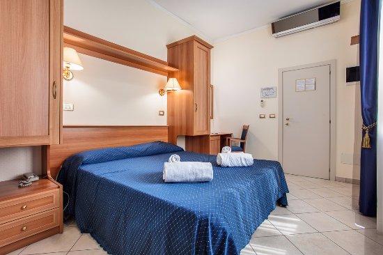 Hotel De La Ville Cesenatico Prezzi