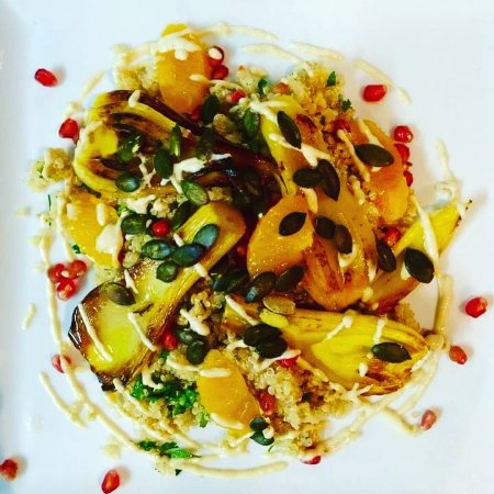 Cupecoy Bay, St. Maarten-St. Martin: Fennel, orange, quinoa & pomegranate vegan salad