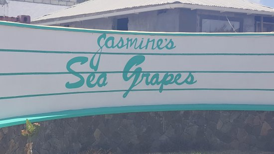 Canouan: Entrance to Jasmine's Sea Grapes