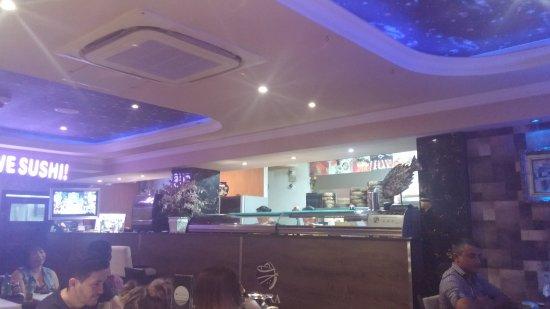 Okurama Japanese Cuisine & Lounge: interno del locale