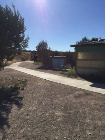 Edgewood, NM: There are sidewalks throughout the park - walker and wheelchair friendly