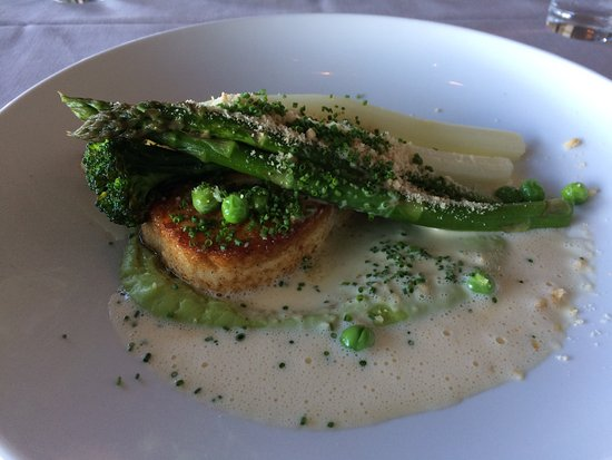 Trollhattan, Sweden: Halibut with Green and White Asparagus, Broccoli Cream, Beurre Blanc