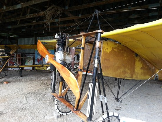 Red Hook, NY: Oldest flying plane in the US- 2nd oldest in the world.