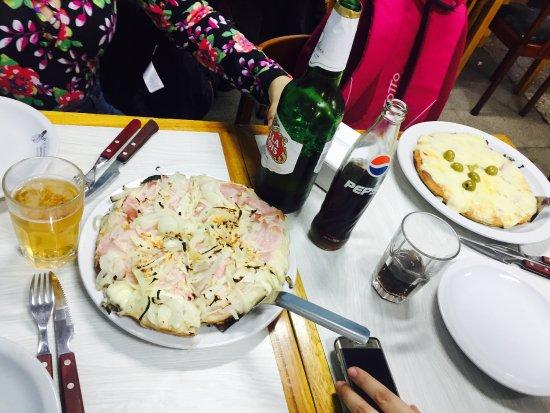 El Cuartito: Pizza de jamón y queso y Fugazzeta