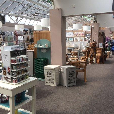 Rosebank, UK: Gift shop area