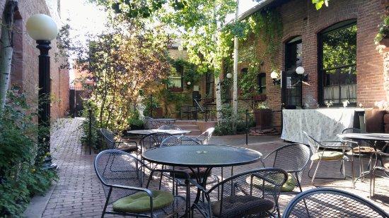 Pasto: Back courtyard