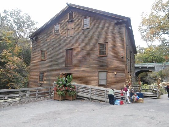 Canfield, OH: Latermans Mill at Mill Creek Park