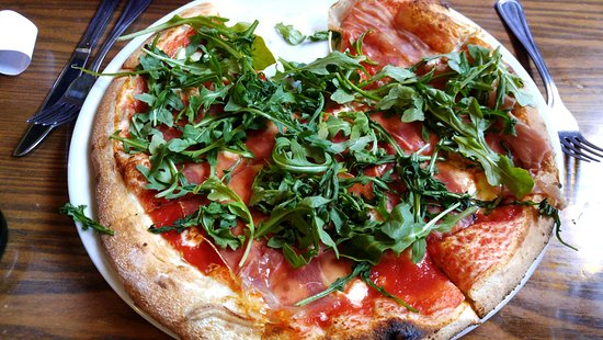 Fat Olives : Prisciutto and Parm pizza