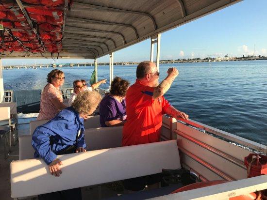 Bradenton Beach, FL: Looking for dolphins