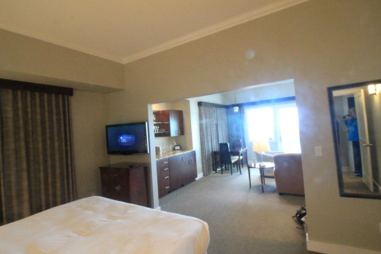 Whale Cove Inn: the room is like a luxurious apartment