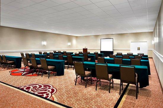 Sheraton Tampa Brandon Hotel Photo