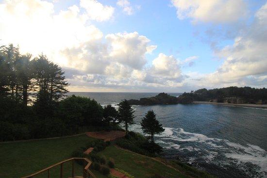 Изображение Whale Cove Inn