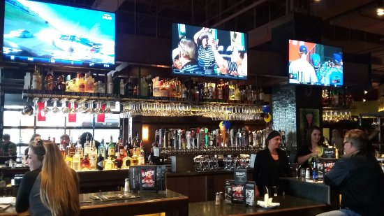 Strongsville, OH: Bar area