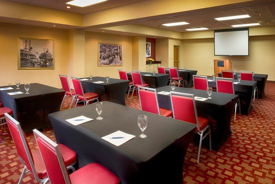 Four Points by Sheraton Memphis East : Delta Room - Set Classroom Style