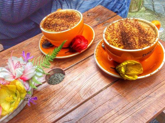 Paeroa, نيوزيلندا: Tumeric Soy Latte