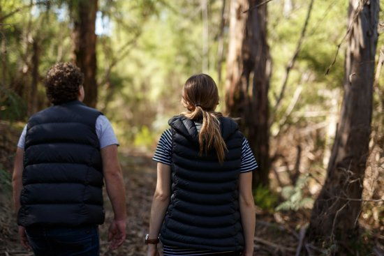 Yering, Australien: Discover the abundance of walking trails within our private nature reserve.