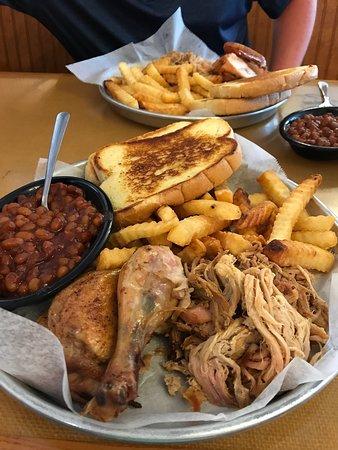 Sonny's BBQ: photo1.jpg