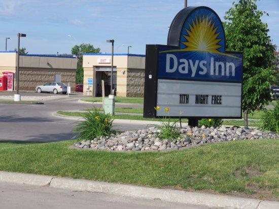 Grand Forks, ND: Days Inn Columbia Mall