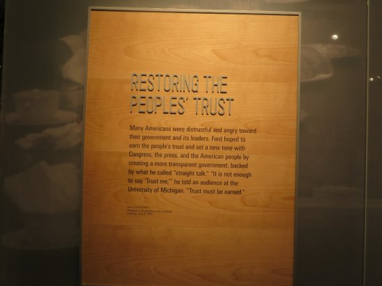Gerald R. Ford Museum : Restoring the People's Trust - President Ford's First Challeneg