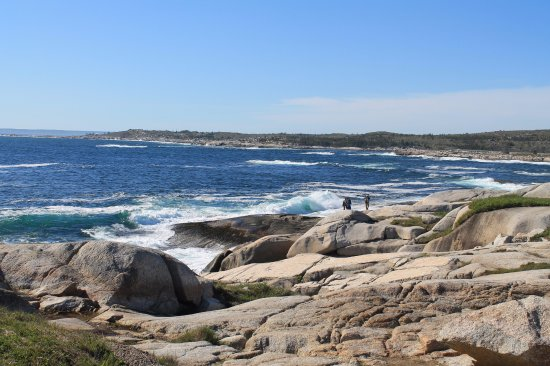 Peggy's Cove, Canada: Coastline behind Peggys Cove lighthouse