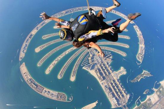 迪拜天空跳伞之旅