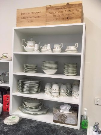 Kilsyth, Avustralya: we use Johnson Brothers crockery
