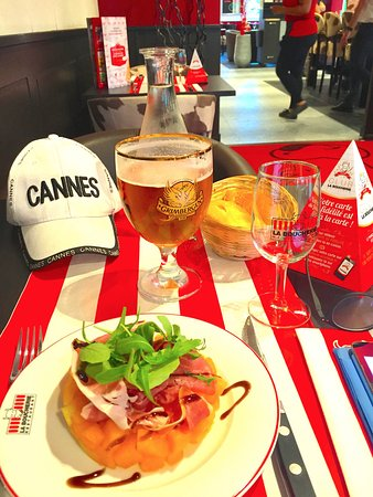 Valbonne, France: Start with ham and melon and a cold beer