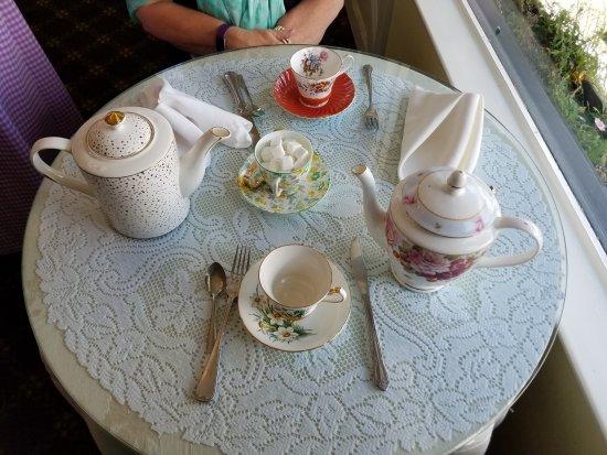 McKenna's Tea Cottage: Tea Setting