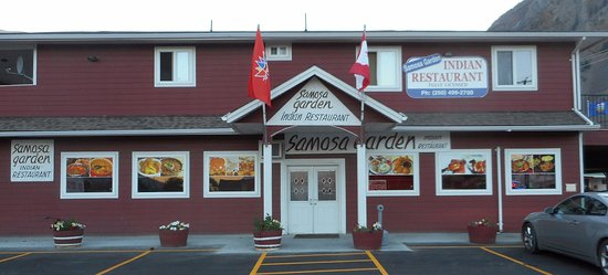 Keremeos, Canadá: The front of the Samosa Garden Reataurant