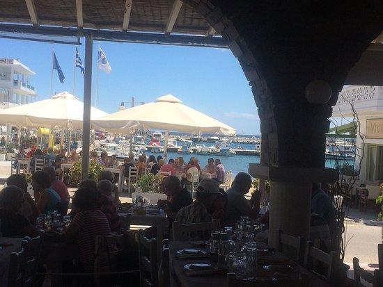 Piso Livadi, Grecia: Σταύρος εστιατόριο