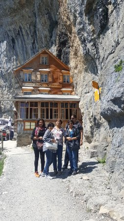 Weissbad, Switzerland: Lodge/restaurant perched in the rocks