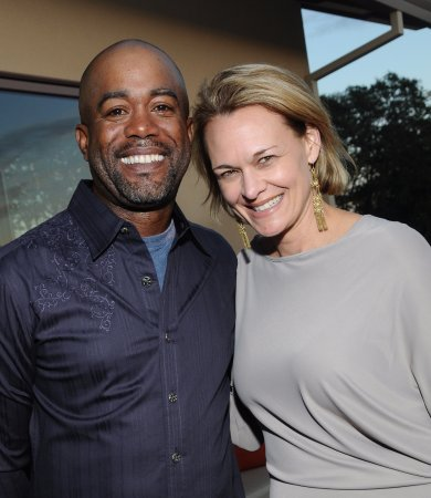 Healdsburg, CA: Darius Rucker performs at Trattore to support music in public schools - Grammy House Concert