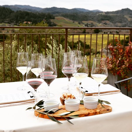 Healdsburg, CA: Seated Terrace Tasting