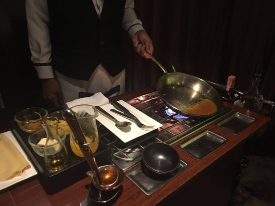 Fireplace Grill and Bar: Crepe Suzette
